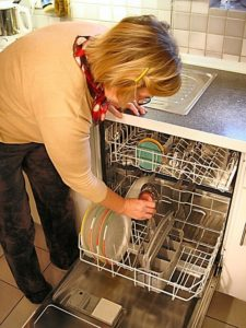 how to clean the inside of your dishwasher